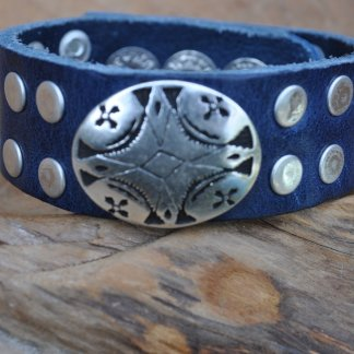 25mm/1 inch wide adjustable bracelet on 3 snap positions